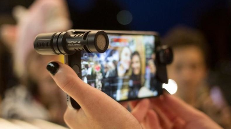 Best Microphones For Smartphone Filmmaking - Mobile Motion